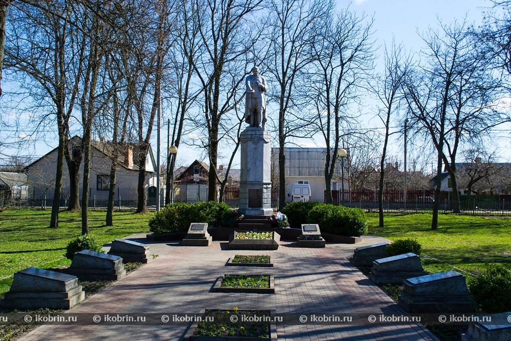 Картинки по запросу сквер им. Героев-танкистов  памятник жертвам фашизма